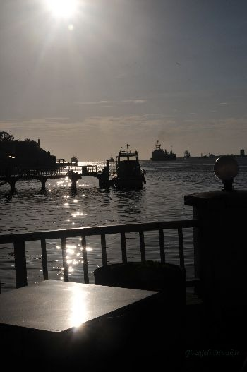 The backwaters of Kochi before the sun sets
